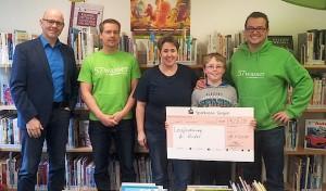 Wilnsdorfer Bibliothek erhält Spende von 57wasser