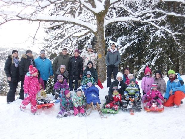 Photo of Winterberg: Gruppenfest der roten Gruppe im Schnee