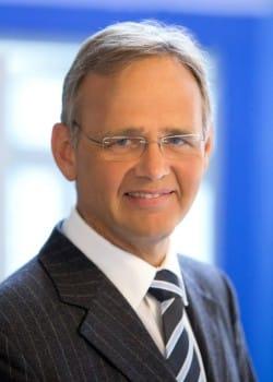 Prof. Dr. med. Joachim Volz, Chefarzt und Leiter des Zentrums für Frauenheilkunde (Foto: Stadt Lippstadt).