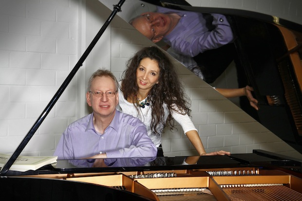 Photo of Beethovens 5. Sinfonie für vier Hände am Klavier