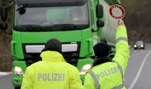 Polizei kontrolliert Sperrung der B229