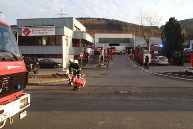 Das Foto stammt aus der Einsatzdokumentation der Feuerwehr Plettenberg. Zur Höhe des entstandenen Sachschadens kann die Feuerwehr keine Auskunft geben.