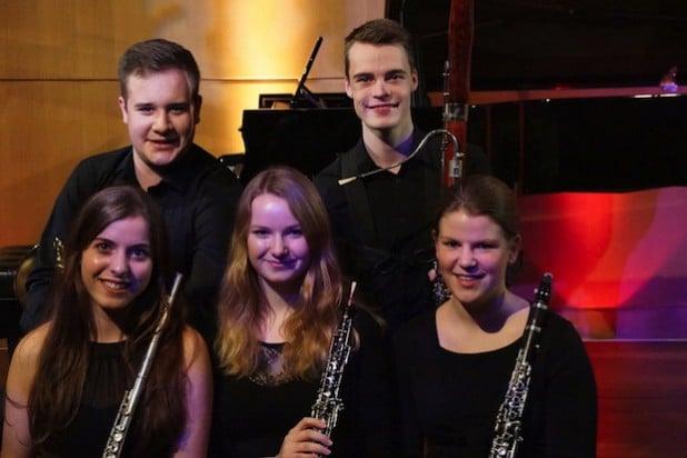"Das Holzbläserquintett ""Molto Vento"" mit Sophia Aretz (Querflöte), Katharina Althen (Oboe), Birte Jana Hagen (Klarinette), Sebastian Steube (Horn) und Niklas Pflückebaum (Fagott) - Foto: Stadt Iserlohn."
