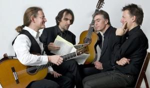 """Von Bach bis Beatles – """"Helden der sechs Saiten"""" beim 121. Kerzenkonzert"""