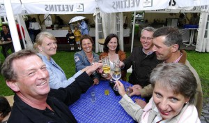 "Weißes Dinner, Seetaufe, Brücken-Party: Highlights am ""Westfälischen Meer"""