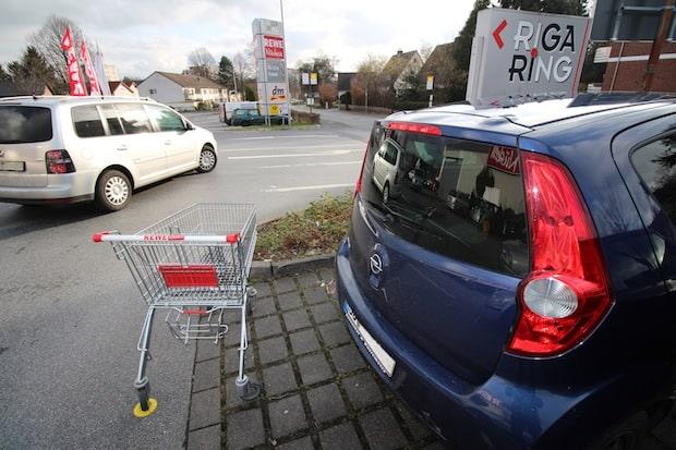 Photo of Einkaufszentrum Rigaring: Ankerpunkte für Einkaufswagen