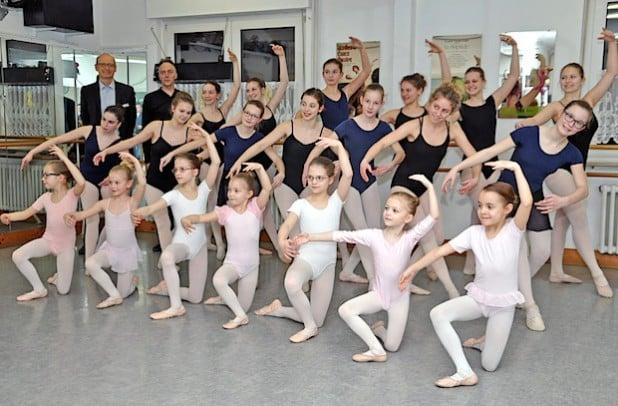 Bereits im Januar hatten die Schülerinnen der Ballettschule Mickeleit im Stadttheater ihr Können gezeigt und viele Spenden für den guten Zweck gesammelt (Foto: Stadt Lippstadt).