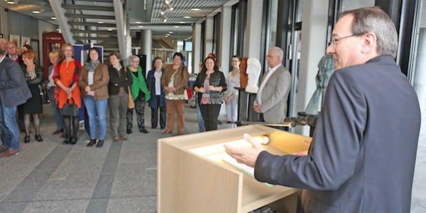 Landrat Thomas Gemke eröffnet die Ausstellung (Foto: Hendrik Klein/Märkischer Kreis).