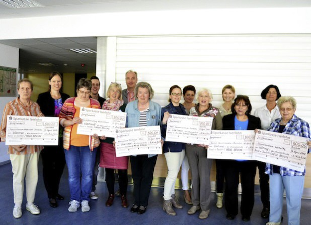 Die Spendenübergabe (Foto: Stadt Iserlohn)