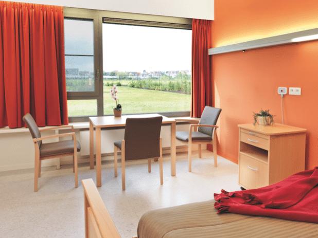 Kusch+Co – Einrichtungspartner für Pflege- und Seniorenheime in Belgien