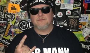 """Markus Krebs macht mit """"Hocker-Rocker"""" in Siegen Halt"""