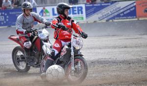 (18) Tore satt in der Motoballarena Kierspe