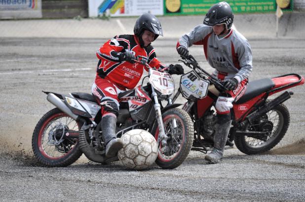 Motoball: Action pur!