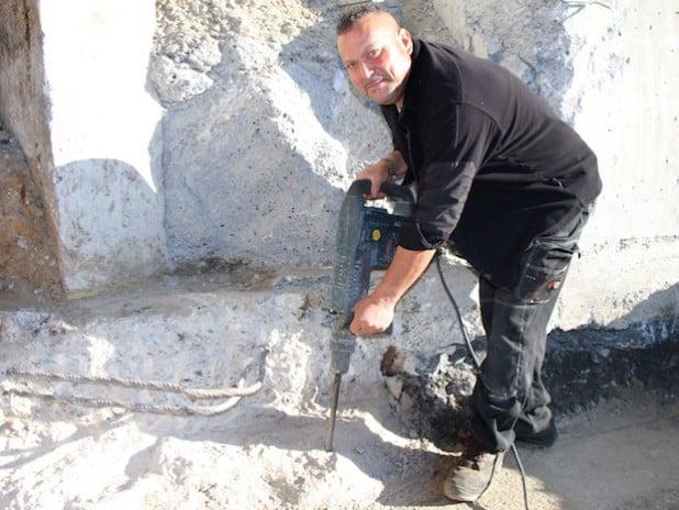 """Der Spezialbaufacharbeiter José Ruivo ist mit 57 Jahren noch auf dem Bau aktiv und ist sich sicher: """"Ich möchte bei Lehde in Rente gehen. Der Betrieb ist wie eine zweite Familie für mich."""" - Foto:  J. Lehde GmbH"""