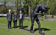 "Skulptur ""Emissary Cat"" im Letmather Volksgarten enthüllt"