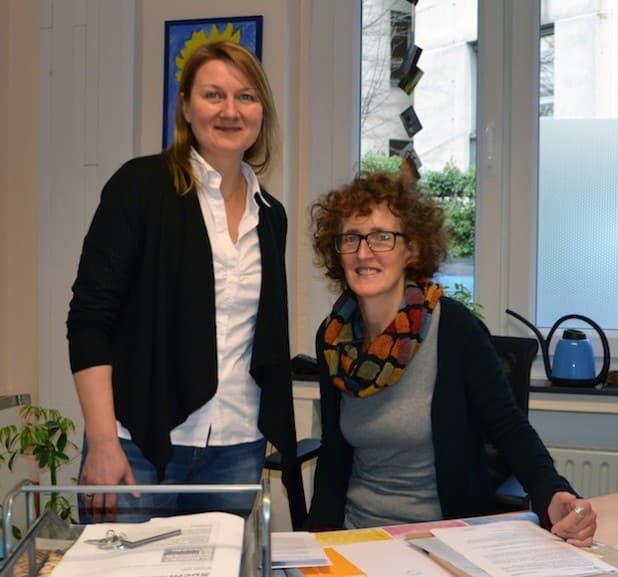 Gabi Weißkirchen und Anne-Kristin Hitzschke (links) sind die Ansprechpartnerinnen der Suchtberatung Menden - Foto: Diakonie Mark-Ruhr gemeinnützige GmbH