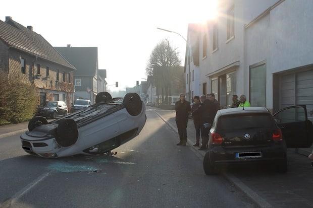 Photo of Finnentrop: Mit Pkw überschlagen