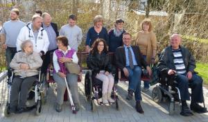 Hilchenbach: Barrierefreie Sitzbank – Bitte platznehmen!