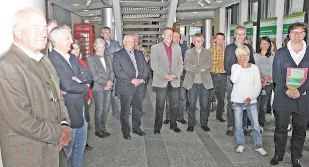 Zahlreiche Interessierte verfolgten die Ausstellungs-Eröffnung (Foto: Hendrik Klein/Märkischer Kreis).