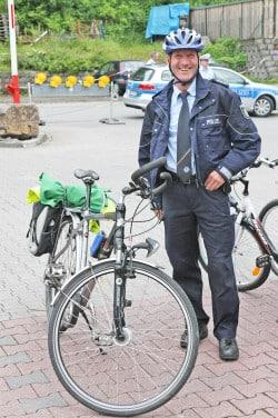 Auch die Polizei passt sich an - per Rad auf Streife (Foto: Hendrik Klein/Märkischer Kreis).