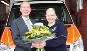 Kreisdirektor dankt Rettungsassistentin