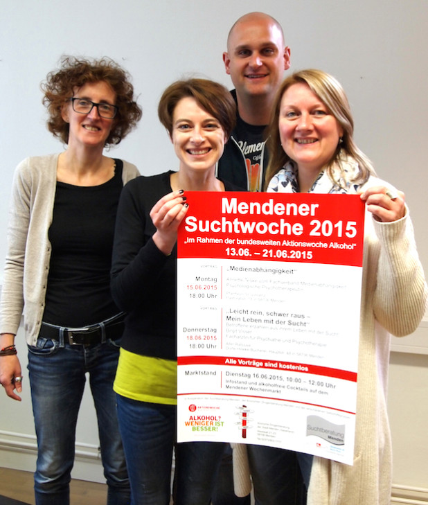 Gabi Weißkirchen, Kristina Feldhaus, Thomas Zimmermann und Anne-Kristin Hitzschke (von links nach rechts) stellten das Programm der Mendener Suchtwoche 2015 vor (Foto: Diakonie Mark-Ruhr gemeinnützige GmbH).