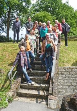 Die Bustouristik-Unternehmer informierten sich auch an der Luisenhütte (Foto: Hoffmeister/Märkischer Kreis).