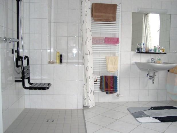 Das Netzwerk Gebäudeberatung ist auch kompetenter Ansprechpartner bei  Planung, Finanzierung und Durchführung einer altersgerechten und barrierearmen  Badsanierung (Foto: Sparkasse Hagen).