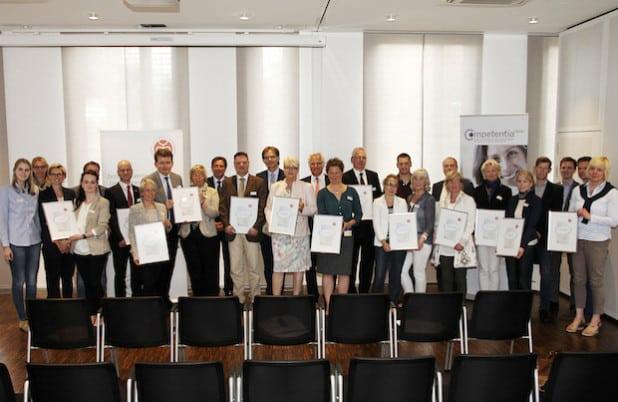 """Zertifikatverleihung """"Familienfreundliches Unternehmen im Kreis Soest 2015"""" (Foto: wfg Kreis Soest GmbH)."""