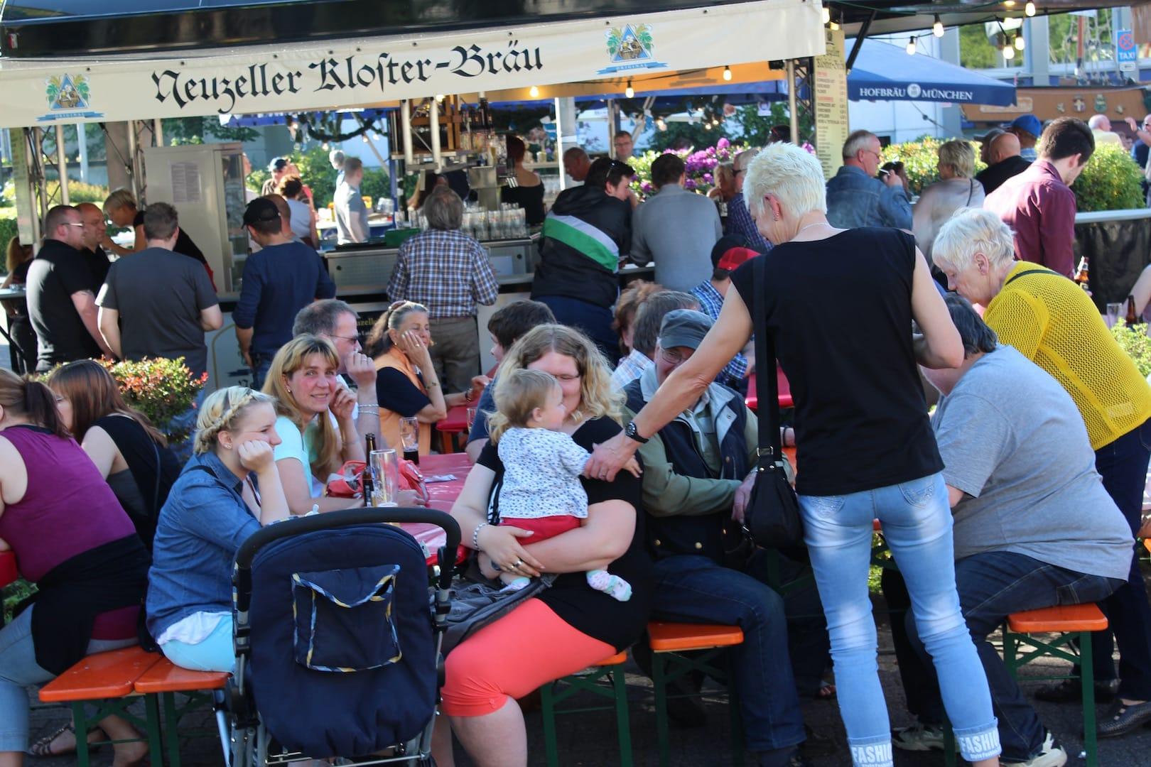 Photo of Meinerzhagener Bierbörse gut besucht – bis Sonntagabend über 300 Biersorten zur Auswahl
