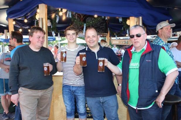 Na dann mal Prost. Süffiges Bier aus dem bayrischen Kulmbach stand ganz hoch im Kurs.