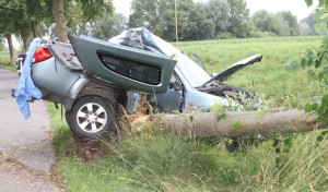 Erwitte-Stirpe: Geländewagen nur noch Totalschaden