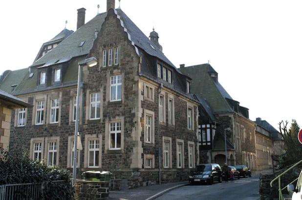 Rund 300.000 Euro kostet der Einbau von neuen Fensterb an Kreishaus I in Altena (Foto: Hendrik Klein/Märkischer Kreis).