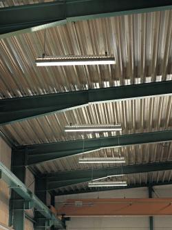 Energieeffiziente T5-Leuchtstoffröhren oder LEDs lösen nach EU-Gesetzgebung HQL-Lampen in Unternehmen ab - Foto: BIGGE ENERGIE GmbH & Co. KG.