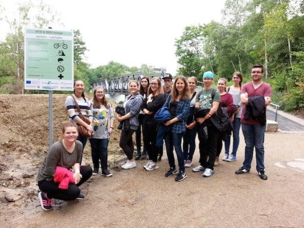 "Bundesfreiwillige besuchten den ""Bike Park Letmathe"" (Foto: Stadt Iserlohn)."