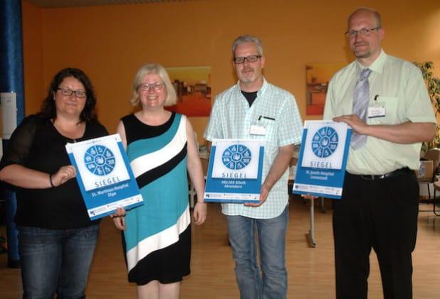 Bei der Auszeichnungsfeier in Münster (von links nach rechts): Marion Kriebel (St.-Martinus-Hospital), Dr. Bettina Adams, Stefan Lorenz (Helios-Klinik) und Frank Schäfer (St.-Josefs-Hospital) - Foto: Privat.