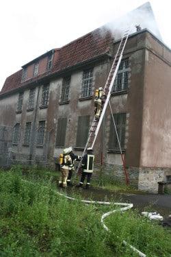 Rettung einer Person über die dreiteilige Schiebleiter (Foto: Feuerwehr Lippstadt)
