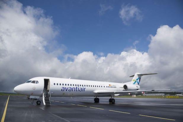 Steigert die Wettbewerbsfähigkeit der Charterfluggesellschaft avantiair mit Sitz auf dem Siegerland-Flughafen: das Passagierflugzeug Fokker 100 (Foto: Kreis Siegen-Wittgenstein).