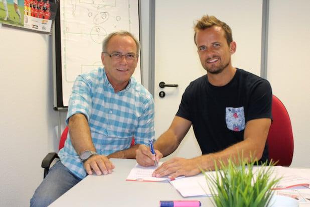 Sportvorstand Reiner Jakobs (links) und Torwart Dominik Poremba (Foto: Sportfreunde Siegen)