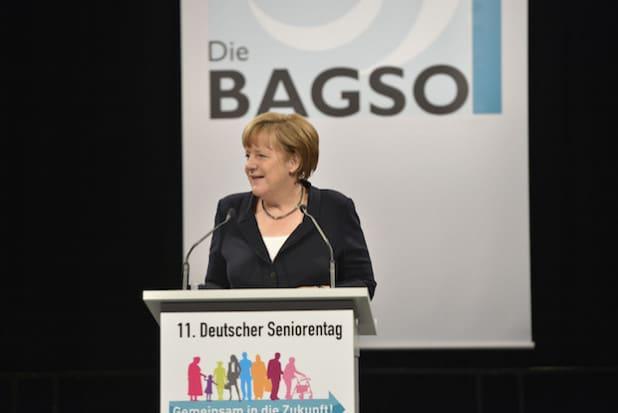 Die Eröffnungsrede von Bundeskanzlerin Angela Merkel kam bei den Besuchern aus Neunkirchen sehr gut an (Foto: BAGSO/C. Hemmerich).