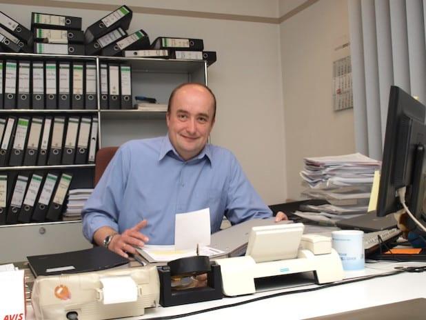 """Thorsten Kosfeld, Prokurist der WVG: """"Der richtige Umgang mit Ventilatoren, Klimaanlagen und Kühltruhen kann viel Energie sparen."""" (Foto: WVG)"""