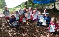 Germinghauser Kindergartenkinder machen das Wald-Jolinchen