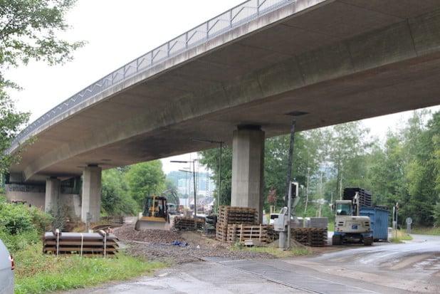 An den Wochenenden 25. und 26. Juli sowie  1. und 2. August 2015 wird der Bahnübergang Mühlwiese in Attendorn aufgrund von Sanierungsarbeiten gesperrt (Foto: Hansestadt Attendorn).