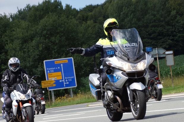 Photo of Motorradkontrollen: Schnellster mit 145 bei erlaubten 70 km/h