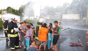 Arnsberger Feuerwehr übt den Ernstfall in Neheimer Asylbewerberunterkunft