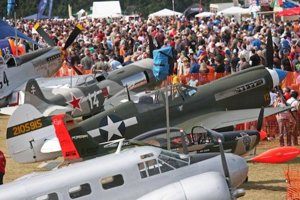 """Warbird- und Heavy-Metal-Parade auf der """"Hub"""":  Am letzten August-Wochenende dürften die  Luftfahrtfans hier dahingehend wieder auf ihre Kosten kommen (Foto: Wilfried Birkholz)."""