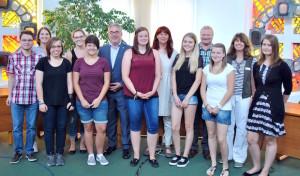 Neun junge Menschen starten bei Stadt Olsberg ins Berufsleben