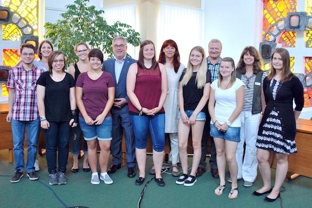 Photo of Neun junge Menschen starten bei Stadt Olsberg ins Berufsleben