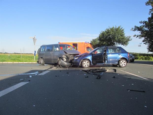 Photo of Zwei Verletzte nach Unfall
