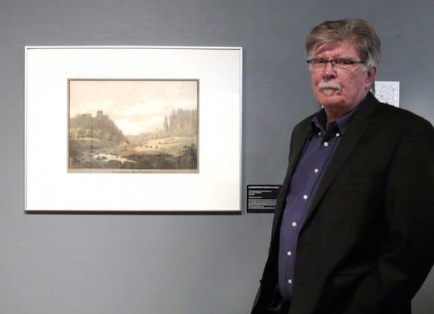"""Museumsleiter Gerd Schäfer hatte die Idee und konzipierte die Ausstellung """"BLICK-PUNKT"""" zum 40-jährigen Bestehen des Märkischen Kreises (Foto: Stadt Iserlohn)."""